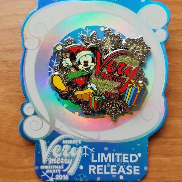 Mickeys Very Merry Christmas Party Merchandise.Mickey S Very Merry Christmas Party Pin Disney Nwt